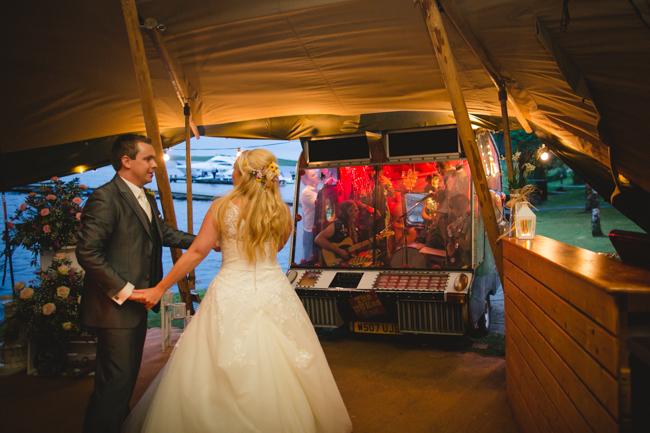 Blackbox Photography - Tipi wedding - 120