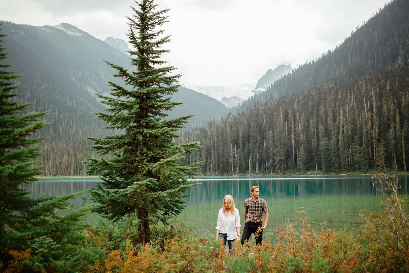 Joffre Lake Photographer - Jessica & Brian012